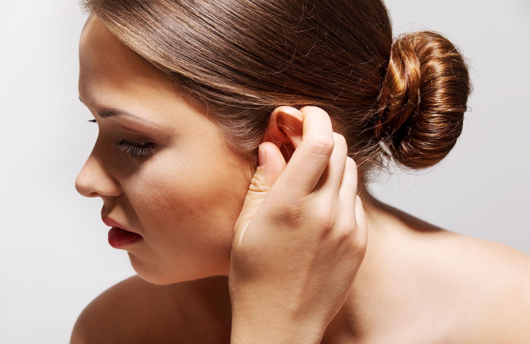 hogyan lehet meggyógyítani a fejbőr száraz bőrét vörös foltok az arcon vörösbor után.