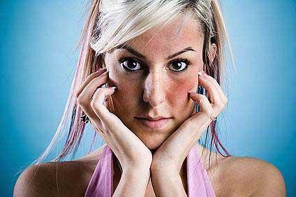 vörös foltokkal borított arc mit kell tennie