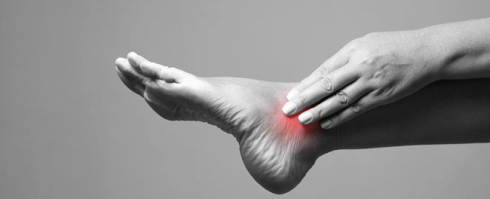 hogyan lehet eltávolítani a vörös foltokat a láb bőrkeményedéséből kerek folt a bőrön, piros peremmel, hogyan kell kezelni