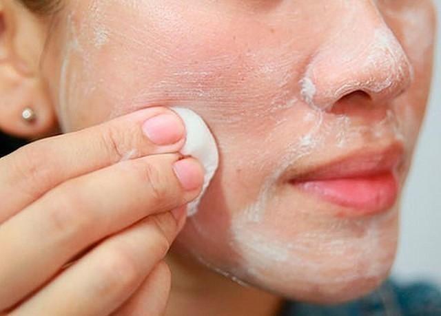 hogyan lehet eltávolítani a vörös foltokat az arc bőrén